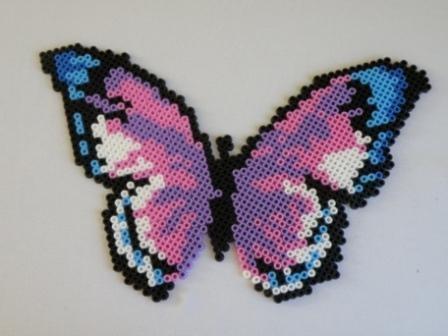 Le joli papillon - Model perle a repasser ...